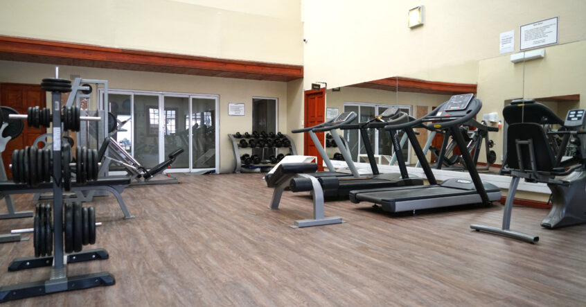 hotel gym with treatmills