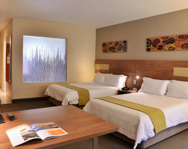 silverwood guest room with two beds