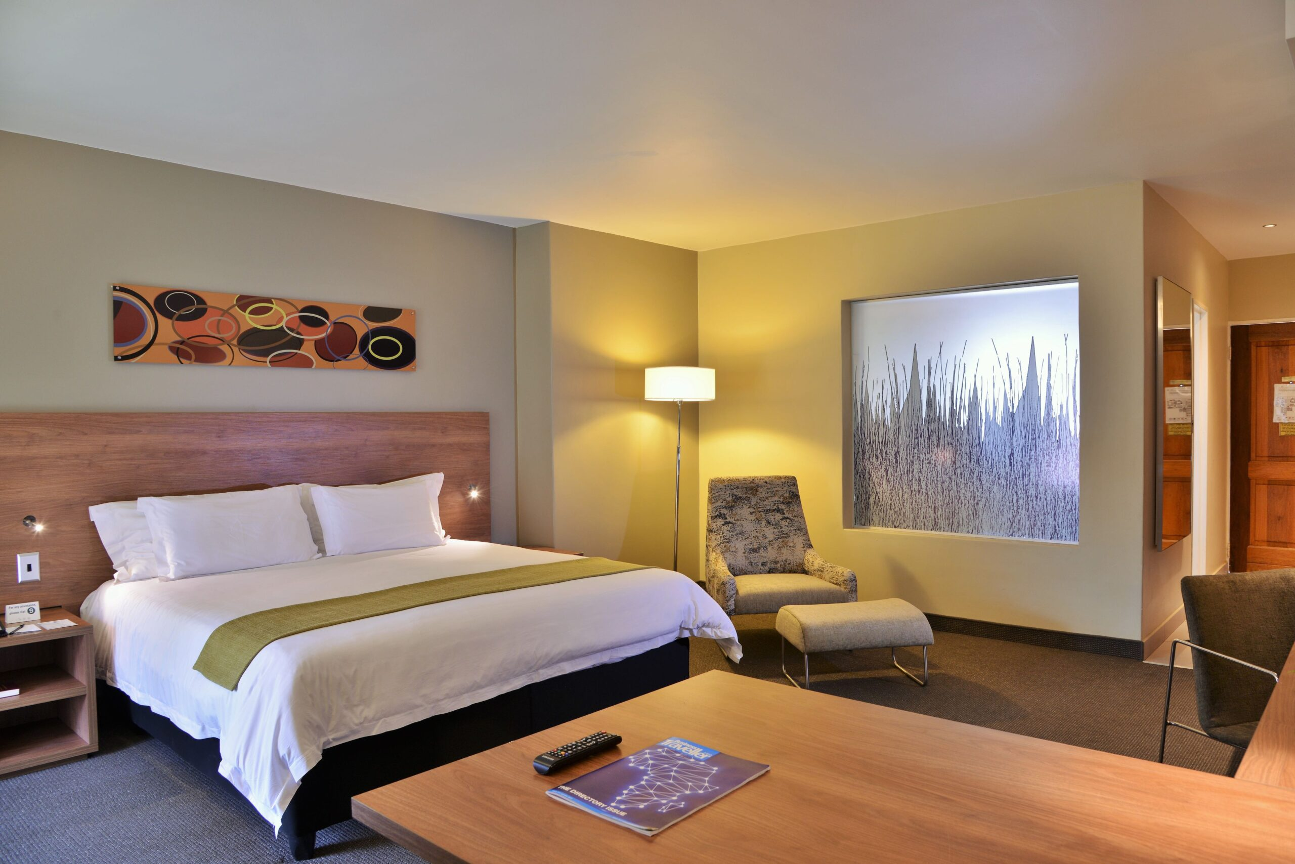 silverwood guest room with one bed