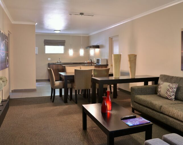 silverwood guest suite, kitchen and lounge area
